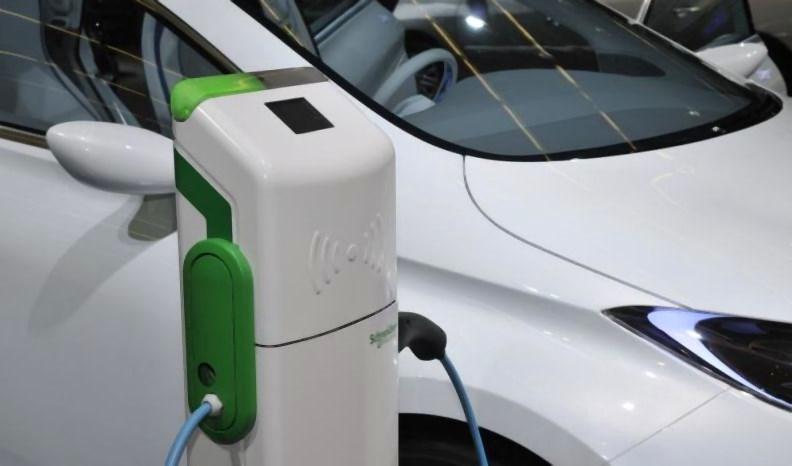ricarica_elettrica_auto2